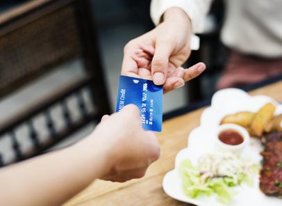Bargeldlos bezahlen auch im Ausland