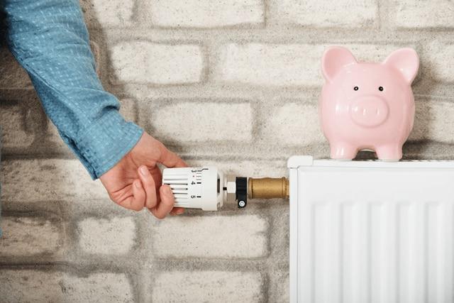 Heizung zurückdrehen und Gas sparen