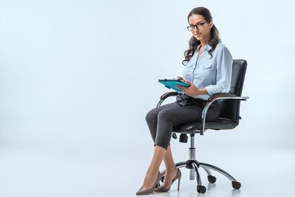 Das richtige Sitzen auf einem Bürostuhl